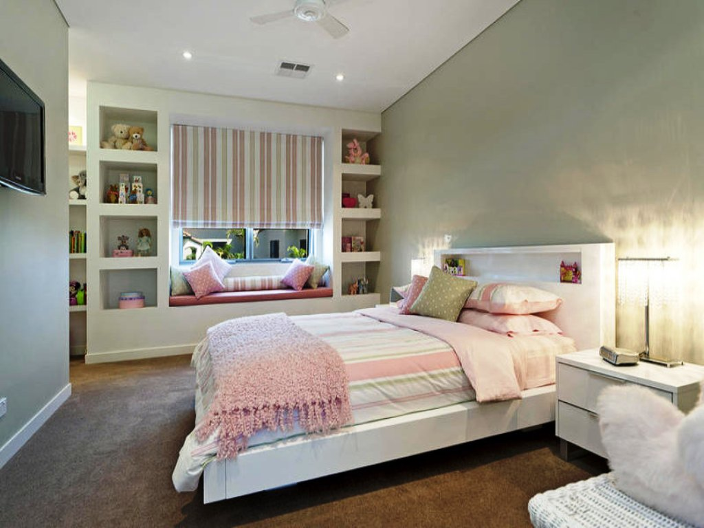 37-Pastel Colored Bedroom