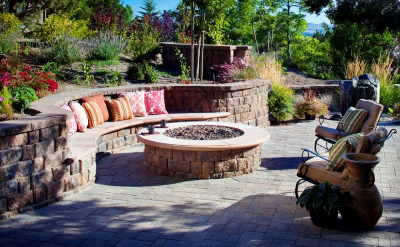 25 Outdoor Fire Pit Ideas To Have This Year