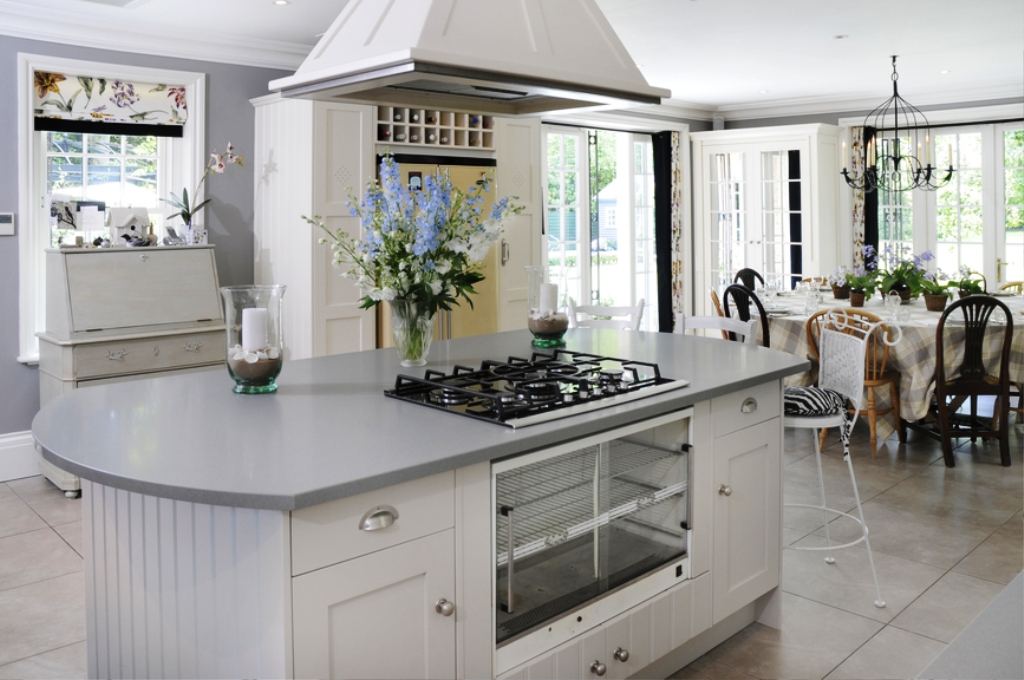 42. White luxury Kitchens