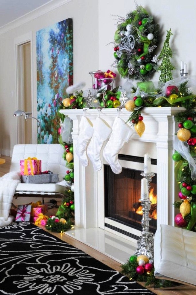 19-fireplace-mantel-decoration-ideas-for-christmas