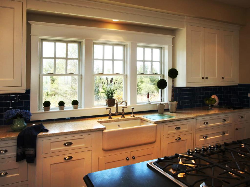 17-Craftsman Kitchen Window Ideas