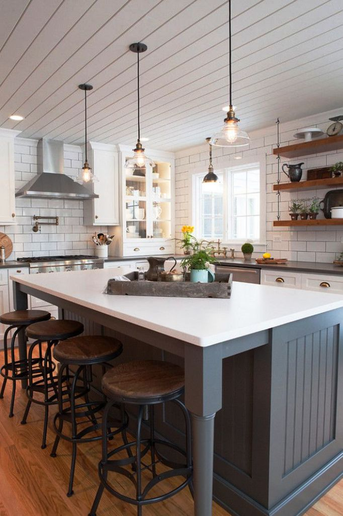 23. Farmhouse Kitchen Ceiling