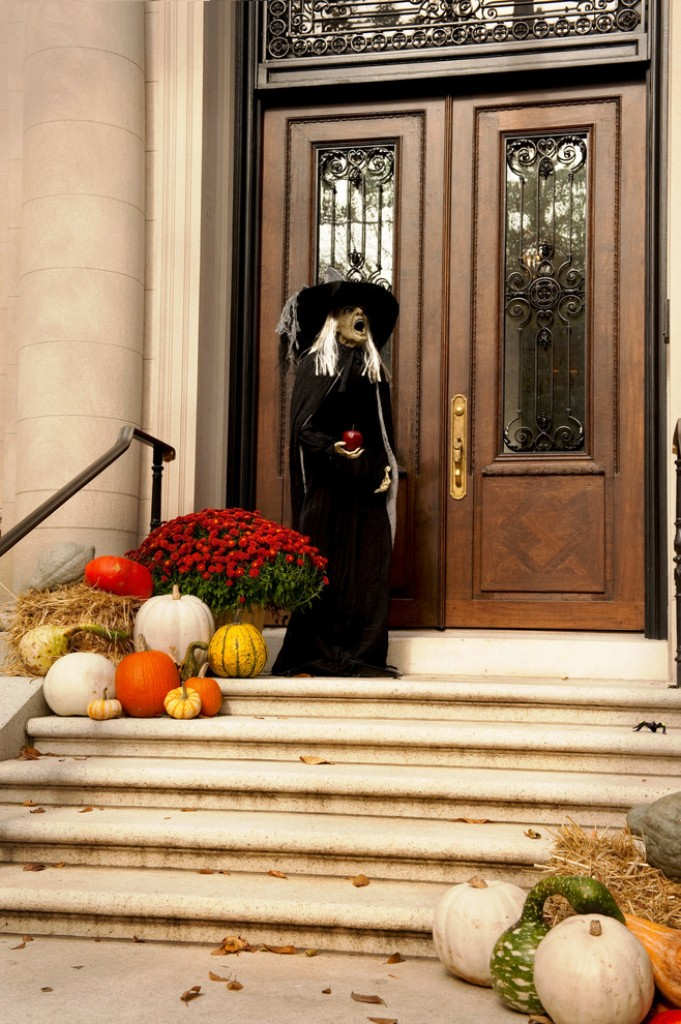 25. Halloween Outdoor Ideas