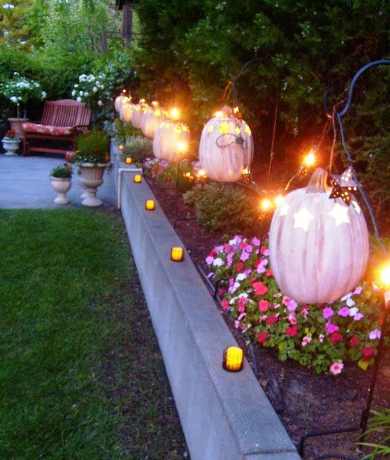 9. Halloween Outdoor Decoration Ideas