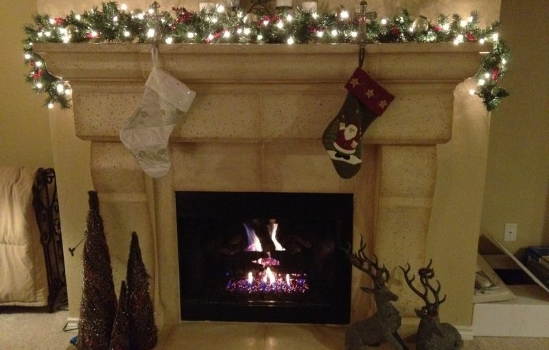 00Christmas Fireplace Ideas