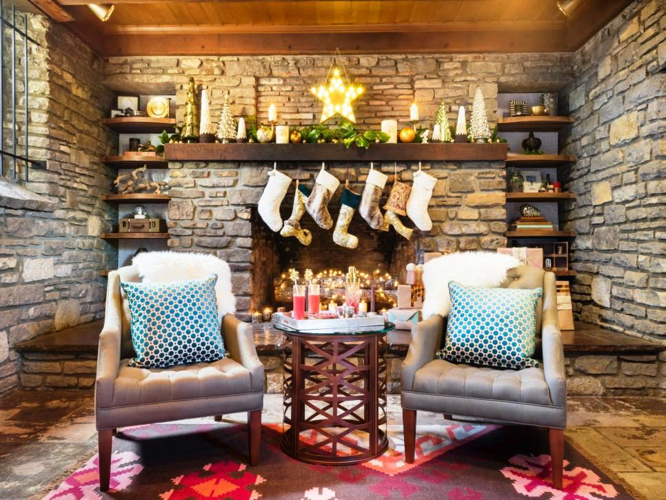 24-Christmas Fireplace Design