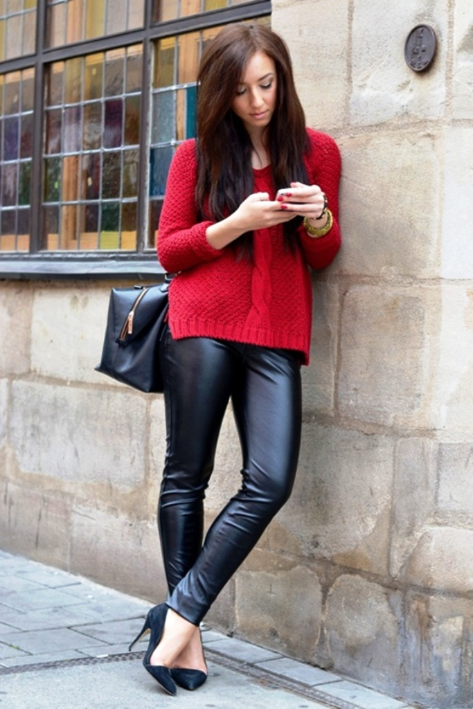 10. Leather Pants Outfits