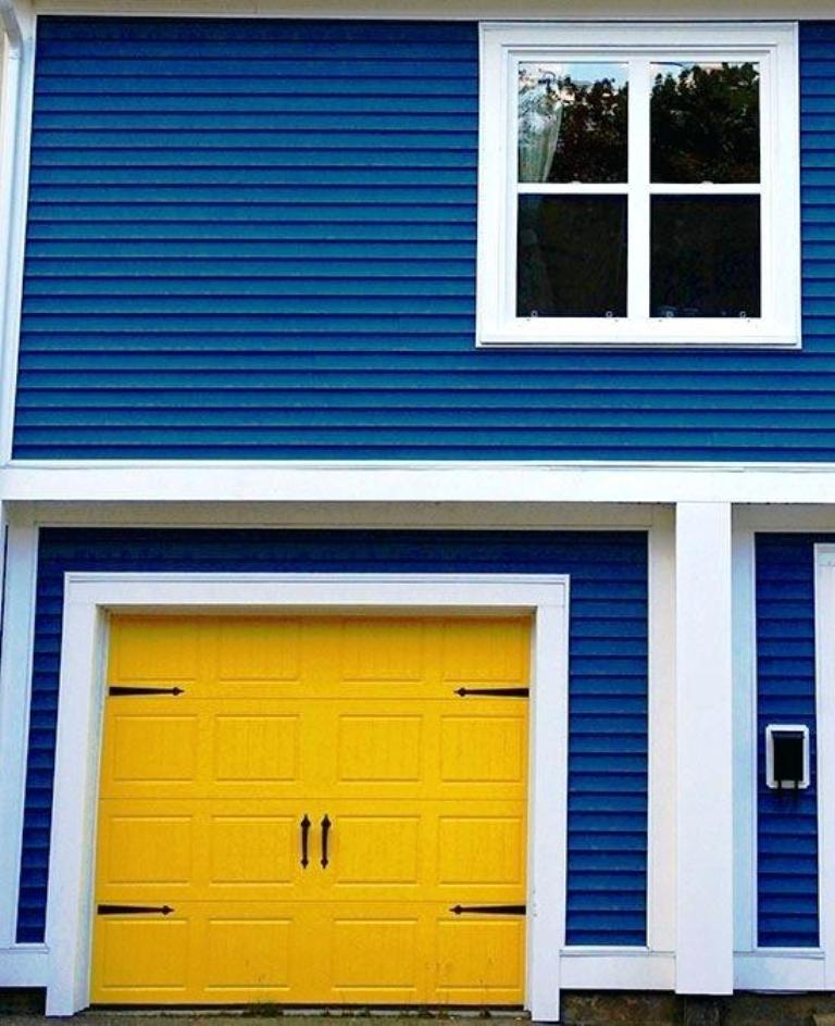 Color Full Garage Door Ideas