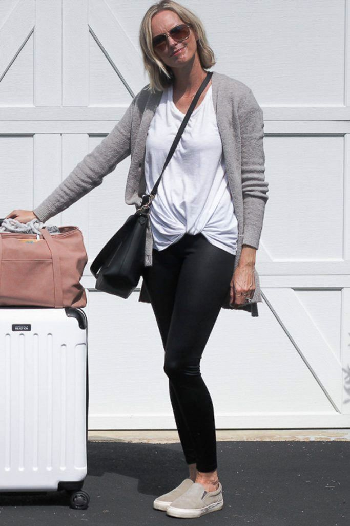 Black Legging Outfits For Traveling