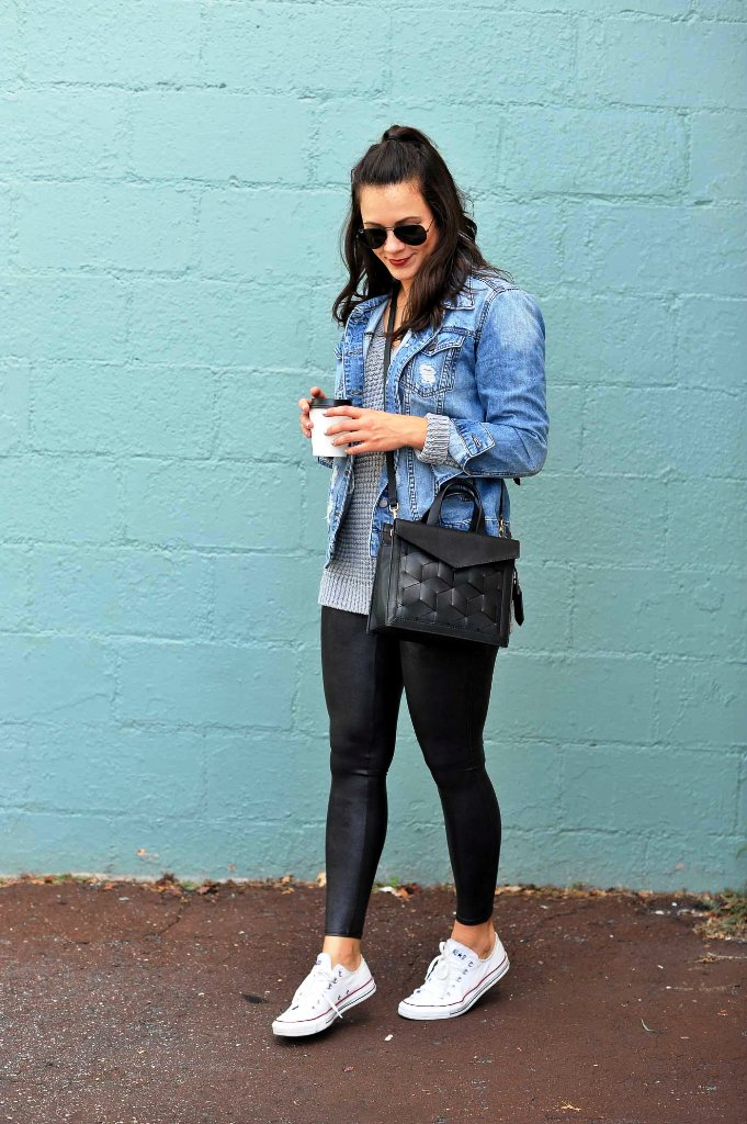 Legging Outfits For Traveling With Denim