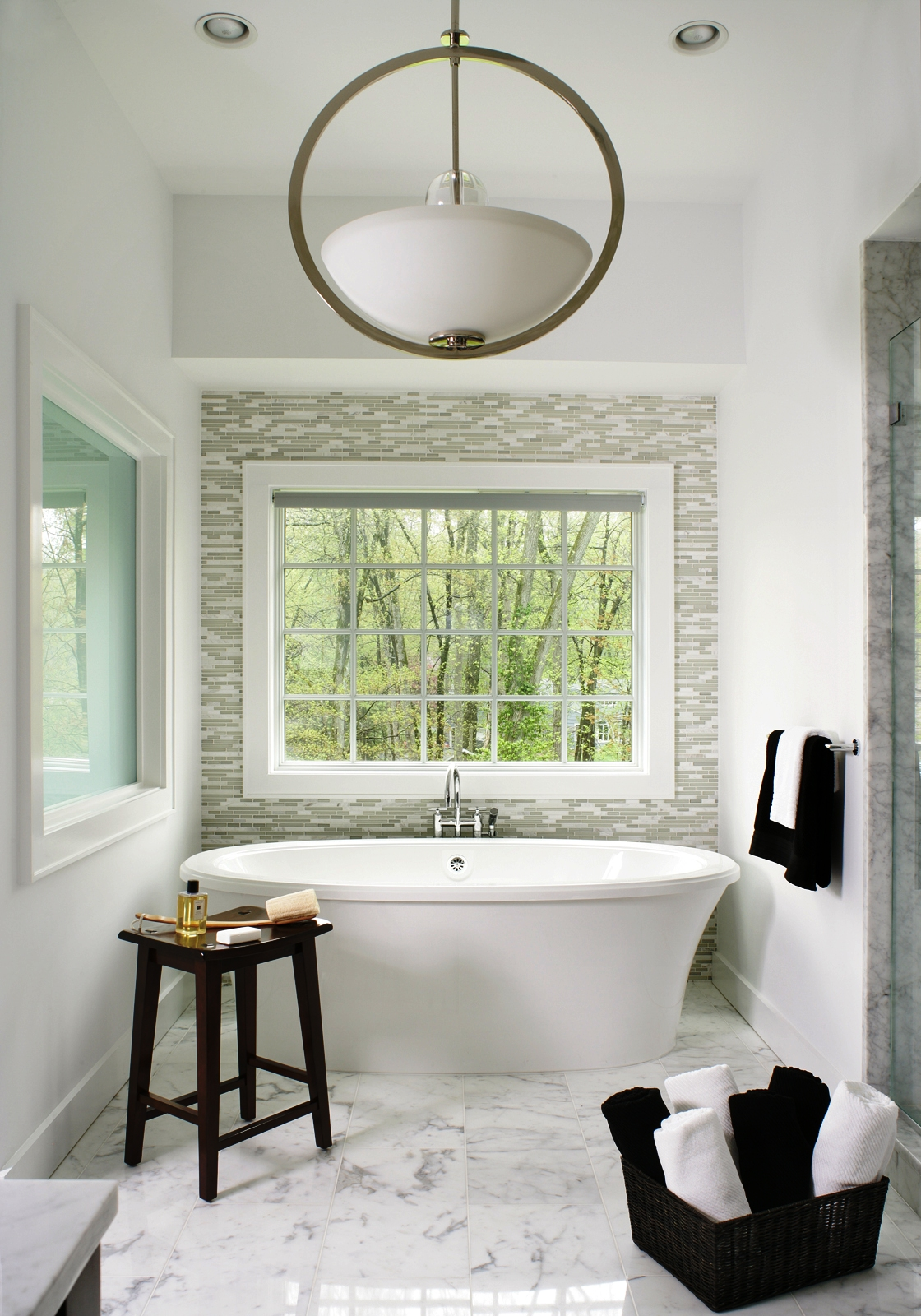 24-Transitional Bathroom Design