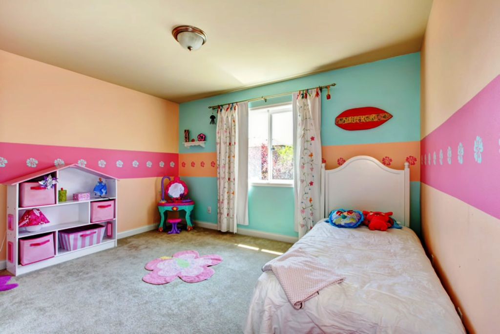 27-Pastel Colored Bedroom