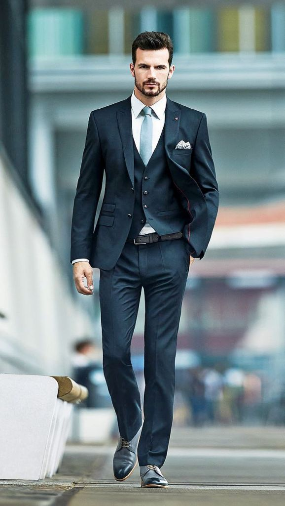 15-black suit fashion ideas for men