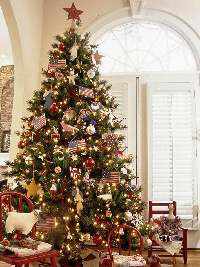 4-festive-christmas-tree-decorating-ideas