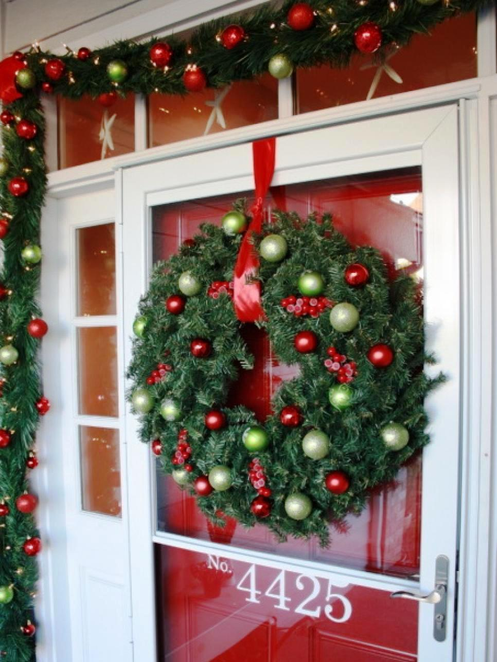 16-christmas-front-door-decoration-ideas