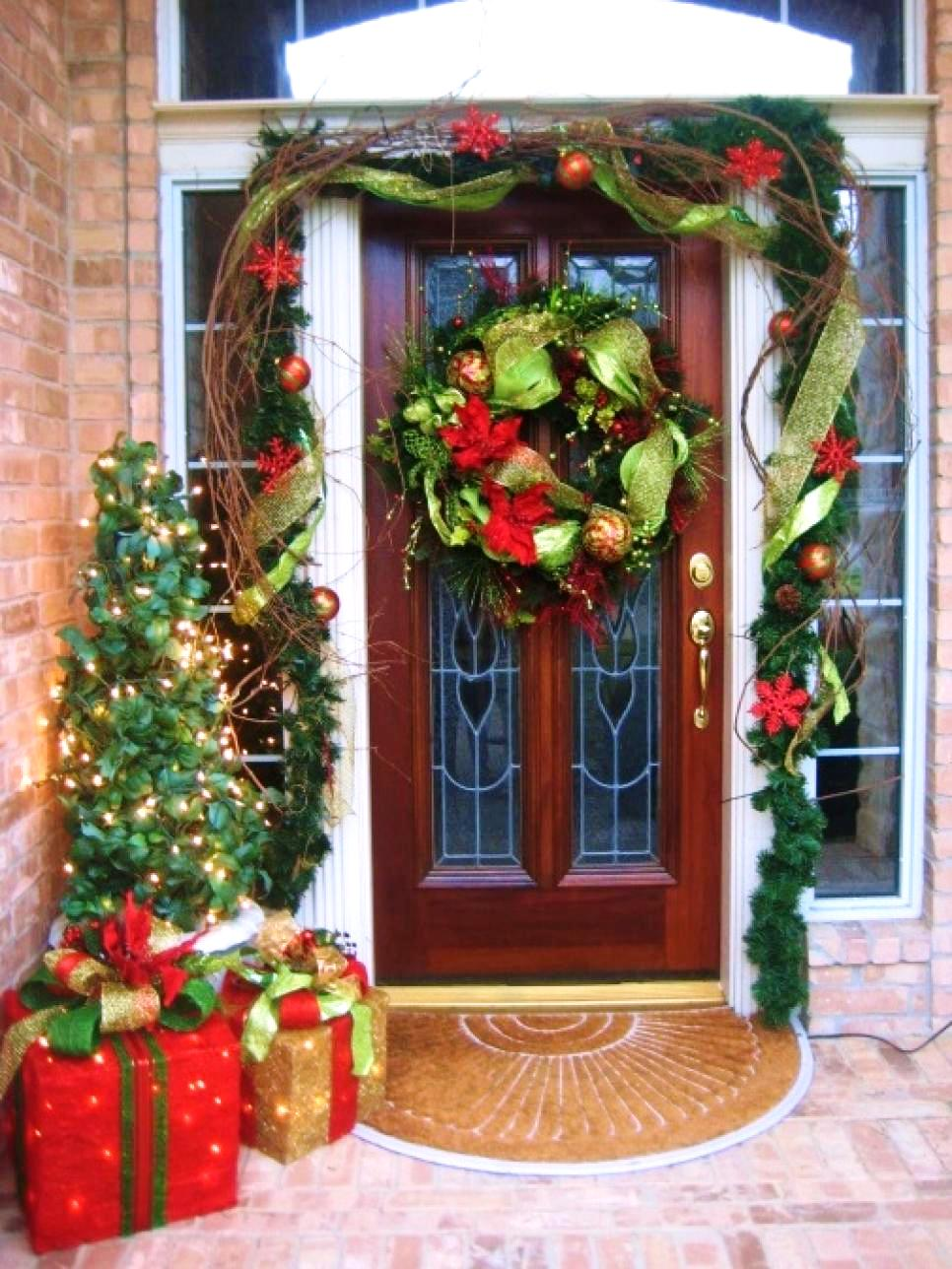 20-christmas-front-door-decoration-ideas