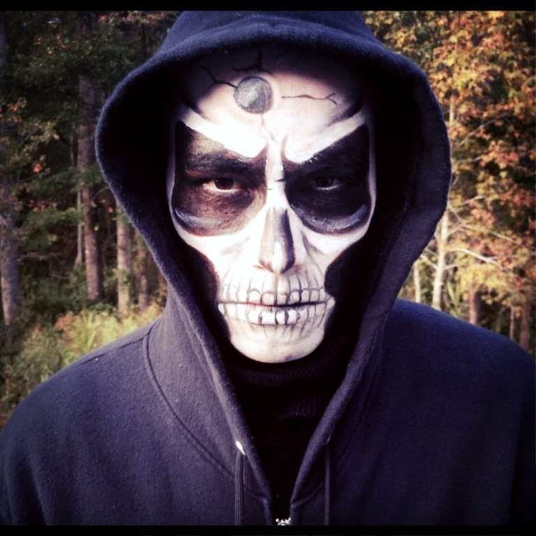 34. Halloween Skull Makeup Ideas