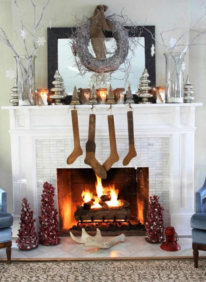 13-Christmas Fireplace Decoration