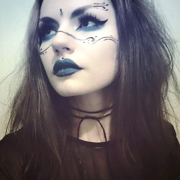 2-Witch Makeup