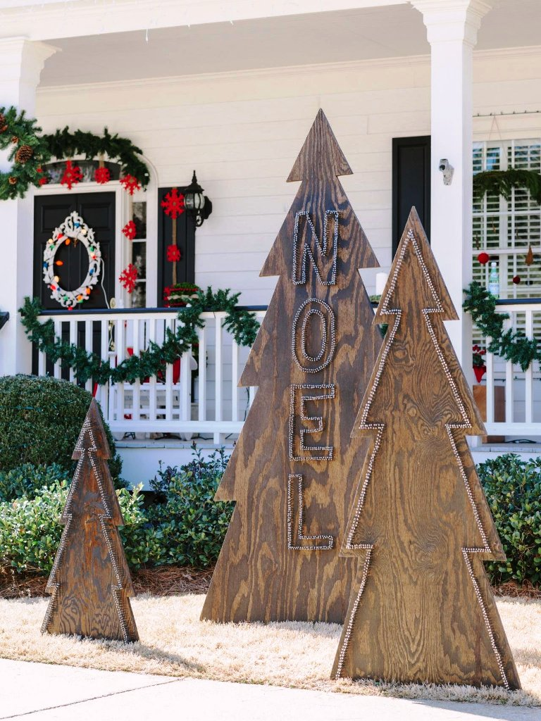 15-Christmas Outdoor Decor