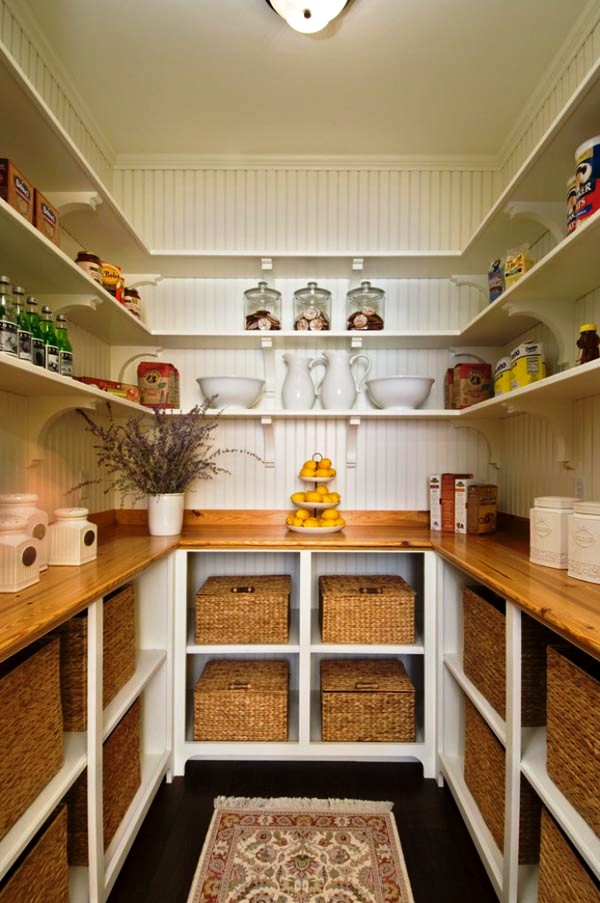 28-Kitchen Pantry Decor