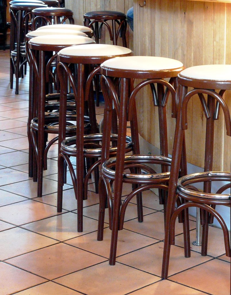 15. Wooden Base Stools For Kitchen