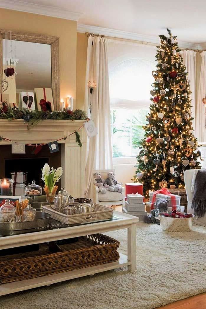 Traditional Christmas Living room
