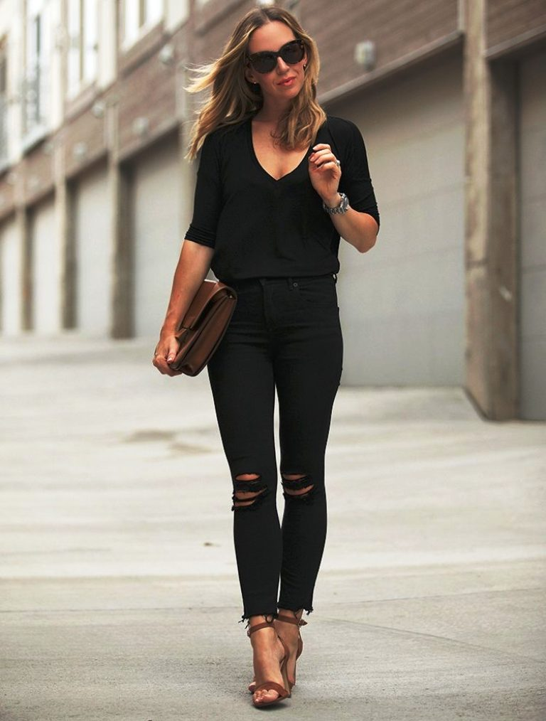 All black Weekend Date Outfits